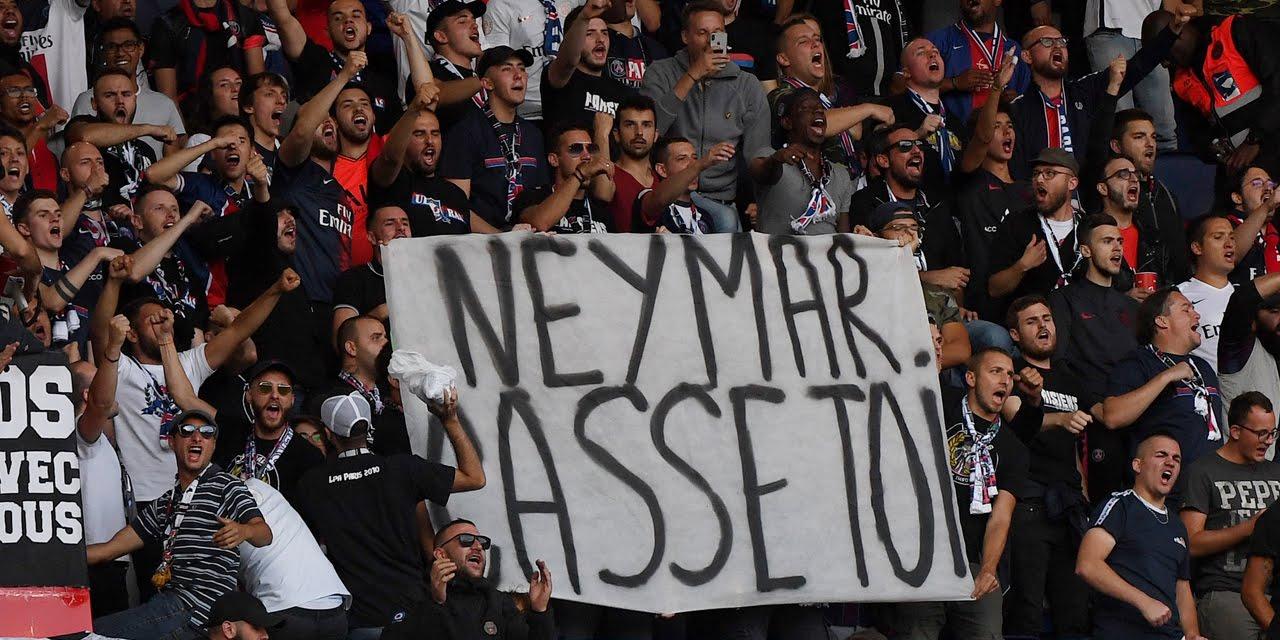 """""""Neymar, casse-toi !"""" : les supporters du PSG remontés contre la star brésilienne"""